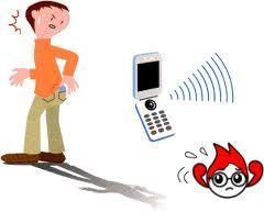 携帯電話をポケットに.jpg